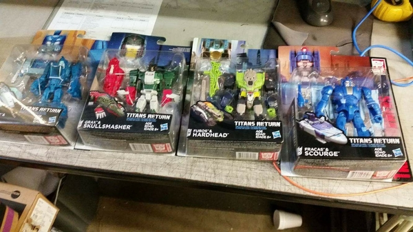 Its Happening Titans Return Deluxe Wave 1 Sighted In Us At A Texas Frys Electronics/29521