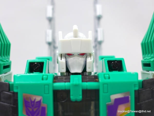 Titans Return Leader Sixshot Video Review And Transformation Guide