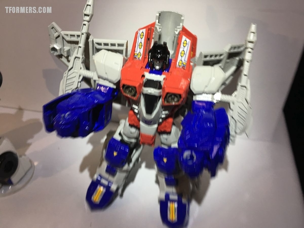 SDCC 2017 - Transformers Titans Return Hasbro Booth Video
