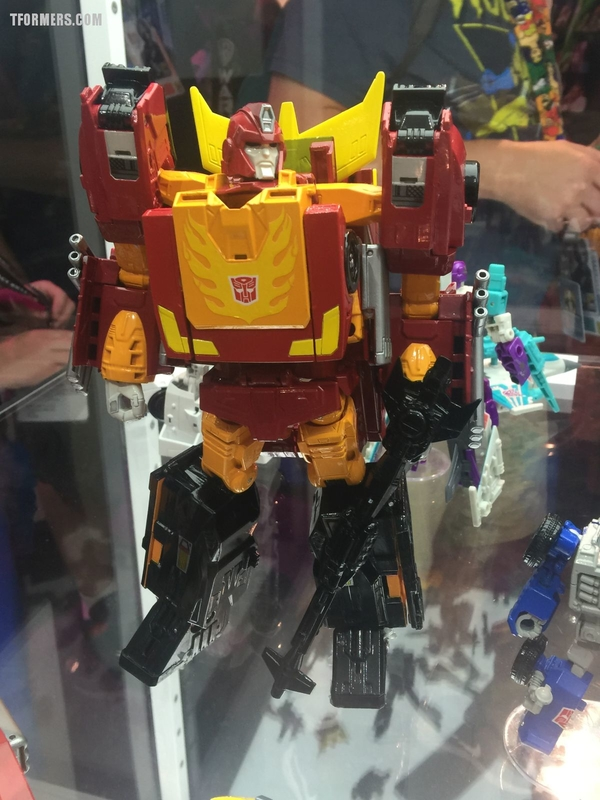 SDCC 2017 - Day 2 Transformers Hasbro Booth Images Hot Rodimus, Starscream, Dreadwing, Prime Masters, More
