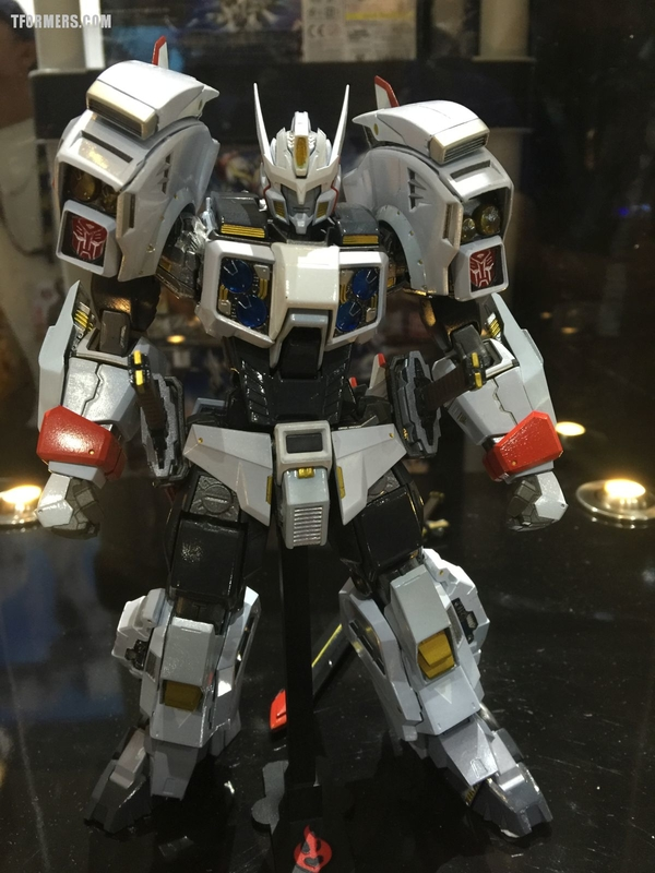 SDCC 2017 - 01 Drift Transformers Full Color Production From Flame Toys