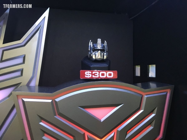 SDCC 2017 - Transformers G1 Jewelry From Han Cholo - Optimus Prime, Megatron, Soundwave!