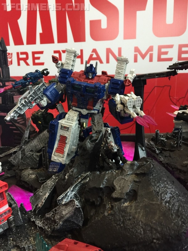 SDCC 2018 - SIEGE War For Cybertron Transformers Toys
