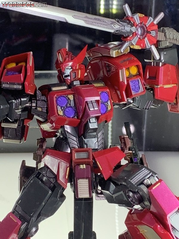 SDCC 2019 - Flame Toys Transformers Preivew Night Images