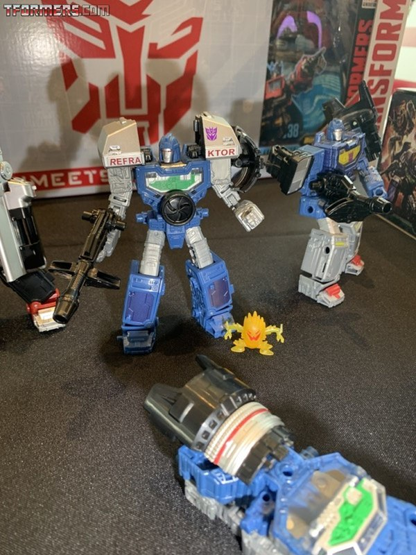SDCC 2019 - Transformers Hasbro Breakfast Preview: Soundblaster, Refraktor Camera, More!