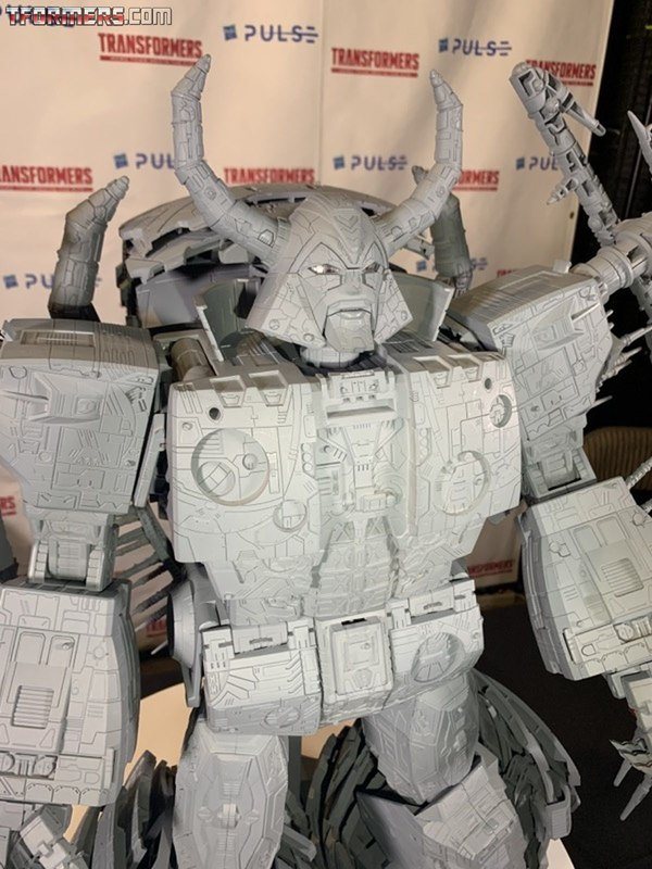 SDCC 2019 - Unicron Prototype, Rainmakers, Battle Masters Box Set Images