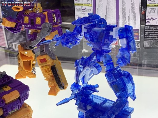 SDCC 2019 - New Booth Images: Ratchet, Impactor, Holo Mirage, Powerdasher, Greenlight, More!