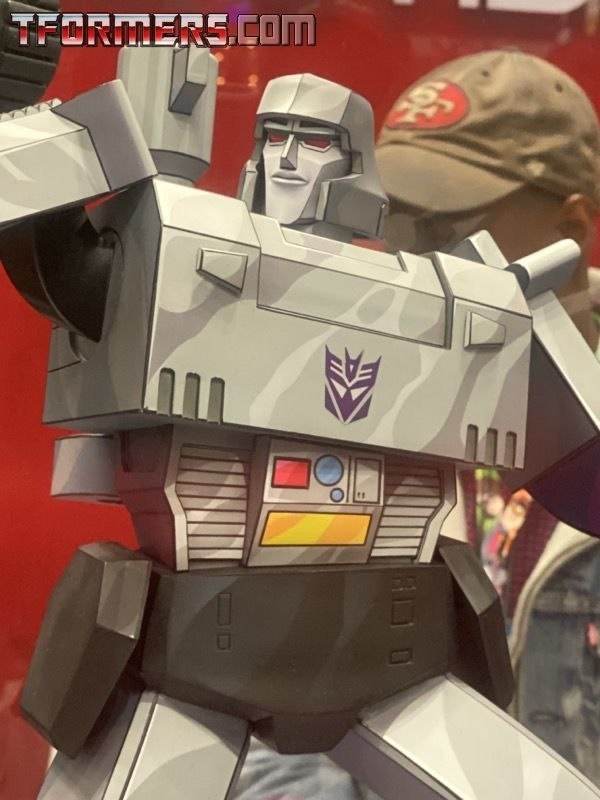 NYCC 2019 - Pop Culture Shock G1 Grimlock & Megatron Transformers Statues